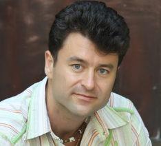 Момчил Зарев