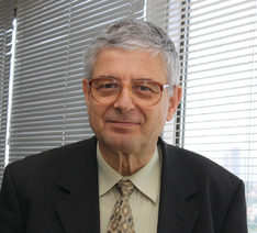 Акад. Петър Кендеров