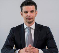 д-р Светослав Ценов
