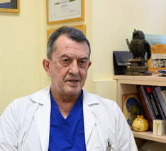 Чл. кор. проф. д-р Чавдар Славов